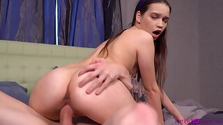 Dude with a fat dick gets head from Pinky Breeze and fucks her pussy