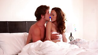 Hotel room sex for starved redhead in the morning