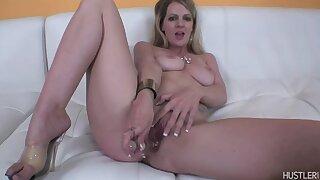 Anita Blue in Home Unique